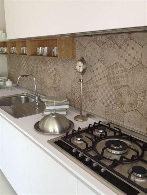 piastrelle ragno cucina cucina one 80 ernestomeda con piastrelle effetto cementine