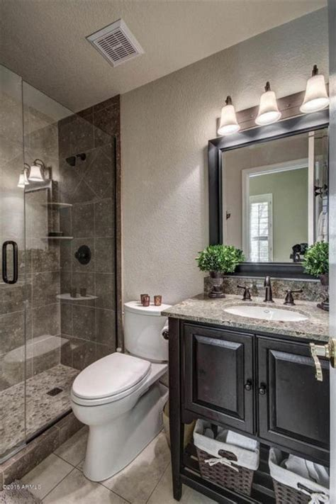 Master Bathroom Makeovers by 17 Best Ideas About Small Bathroom Makeovers On