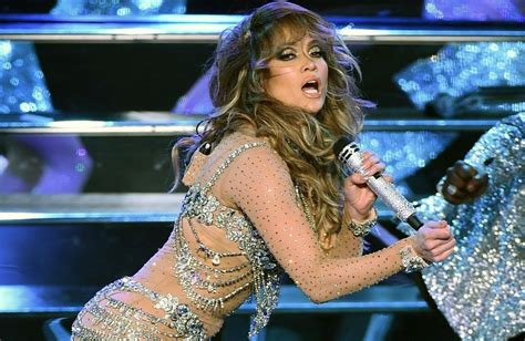 jennifer lopez no pants jennifer lopez splits her pants on stage 10 other