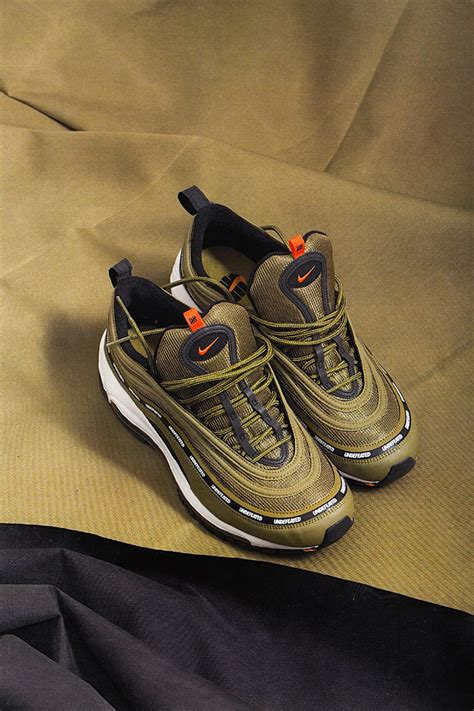 Topi Nike Semipremium undefeated x nike air max 97 olive release info sneakernews