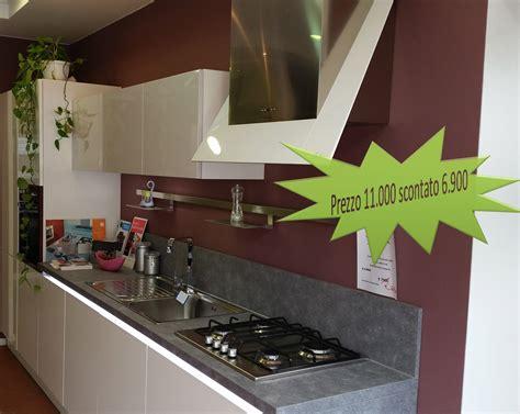 cucine da esposizione in vendita svendita mobili da esposizione roma top cucina leroy