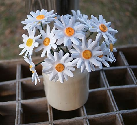 How To Make Paper Daisies - make easy paper punch flowers more diy flowers