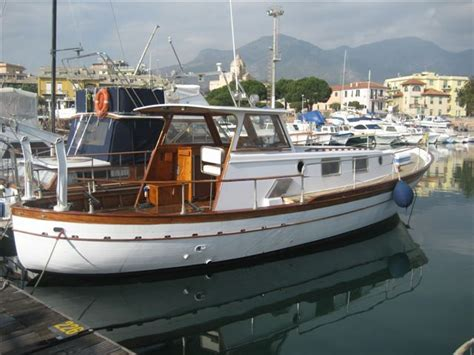 gozzo cabinato in legno hobby servizio annunci gratuiti barche