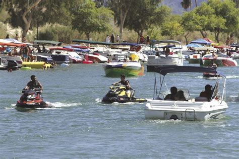 boating license california law agencies focus on education with california s new boating