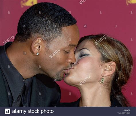 hitch actress eva mendes dpa us actor and singer will smith kisses actress eva