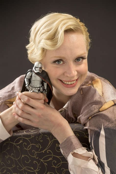 gwendoline christie is a commanding alle star wars gwendoline christie in star wars vii en