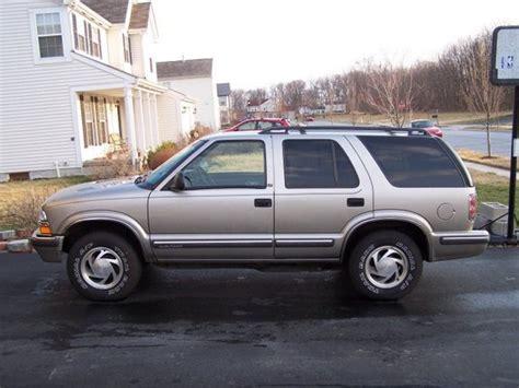 1998 chevrolet blazer specs pictures trims colors cars com 98gldblzr 1998 chevrolet blazer specs photos modification info at cardomain