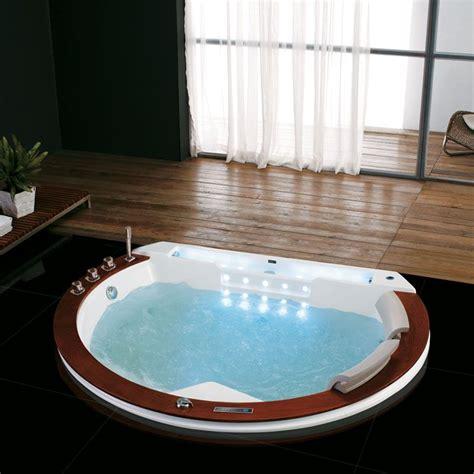 baignoire pour deux baignoire demi lune santorin e baignoire baln 233 o ronde
