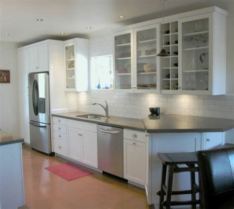 Retro Kitchen Designs Cuisine Blanche Et Inox Id 233 Es Et Astuces En 90 Photos
