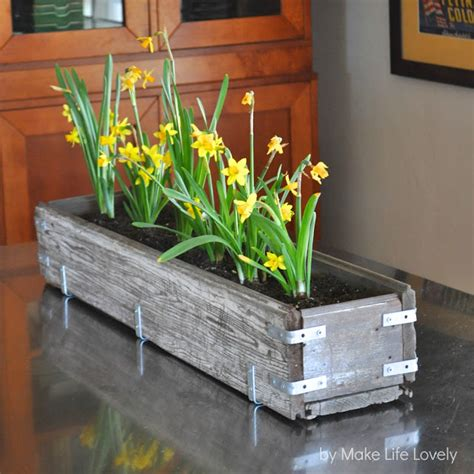 Rustic Wood Planter Box by Diy Rustic Wood Planter Box Make Lovely