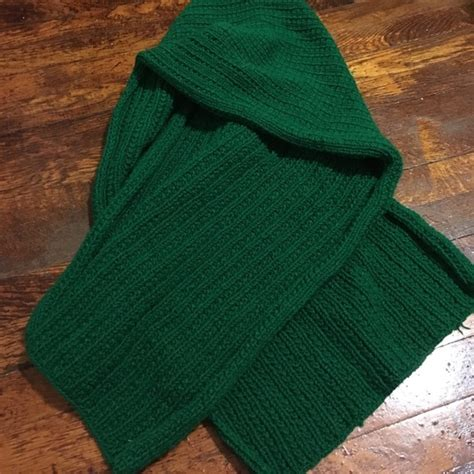 zara knit scarf 50 zara accessories large forest green knit