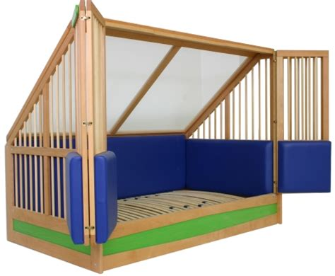 Pedicraft Canopy Bed Home Enclosed Canopy Bed Images Frompo