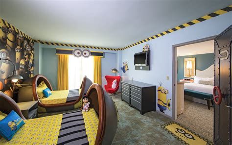 Twin Desk Universal Orlando Close Up Here S Why Your Kids Will