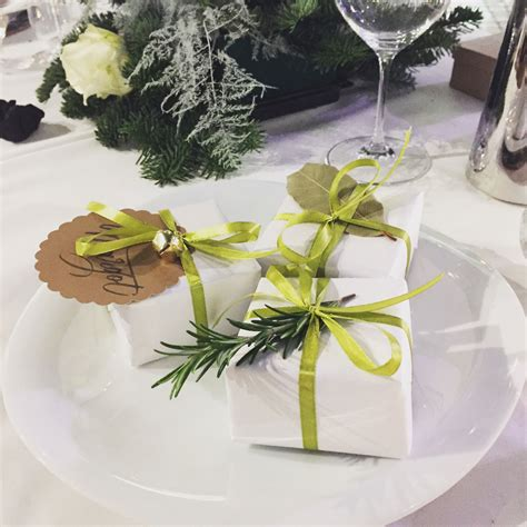 10 super stylish decoration ideas for christmas table