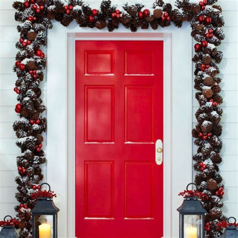 outside garland 31 exterior decorating ideas inspirationseek