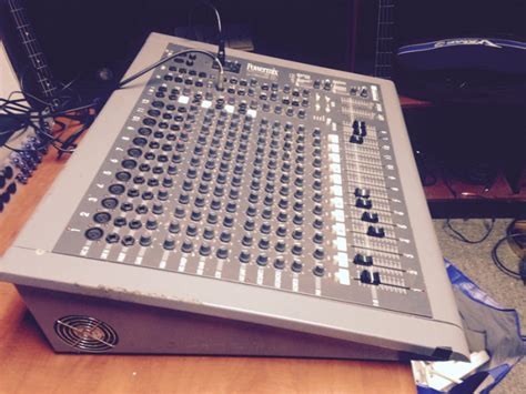 Powered Mixing Desks For Sale by Dynamix Powermix 162 1200 Watt Powered Mixing Desk For