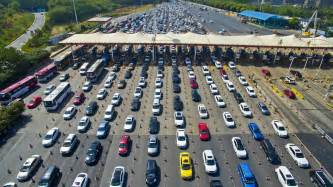Traffic In Even Small Numbers Of Self Driving Cars Could Almost