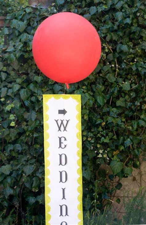 diy weather balloon signage