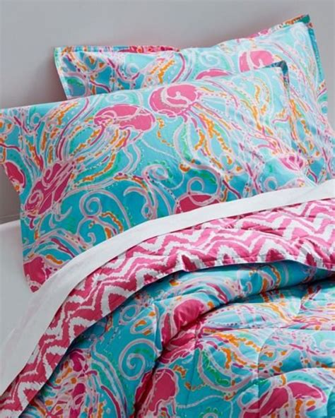 lilly pulitzer bedding dorm best 25 lily pulitzer bedding ideas on pinterest lily