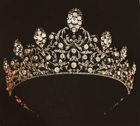 Du Tiara les 325 meilleures images du tableau crowns tiaras bandeaus diadems sur bijoux