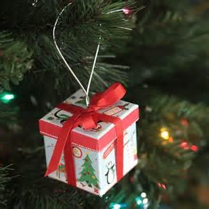 Cute idea easy diy christmas tree ornament that s a gift box