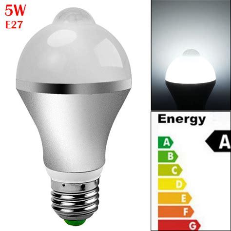 Lu Led Smart E27 9w With Pir Sensor 5 7 9w smart auto on pir motion sensor led nightlight light l globe bulb ebay