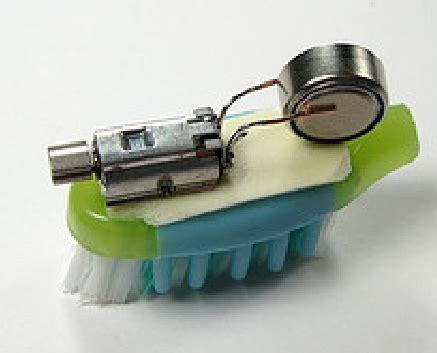 cara membuat robot sederhana dari sikat gigi modifikasi robot sikat gigi dengan 2 buah lengan