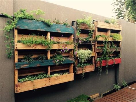 Vertical Garden Made From Pallets 10 Wood Pallet Vertical Garden On Your Wall Pallets Designs