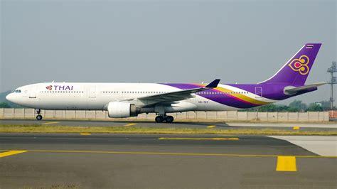 thai airways inflight review thai airways a330 royal silk business