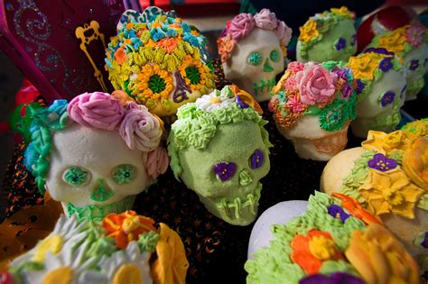traditions of dia de los muertos day of the dead events and traditions