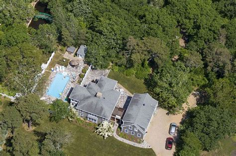Chappaquiddick Vrbo Chappy Residents Rankled By Sprawling Rental Compound The Martha S Vineyard Times