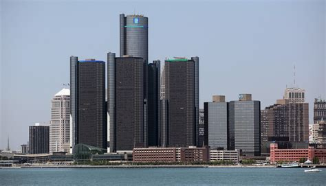 general motors headquarters u s auto sales are booming so why can t general motors