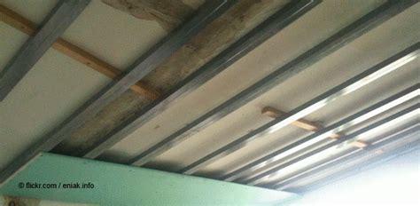 Rigipsplatten Unter Der Decke Anbringen by So L 228 Sst Sich Eine Hohe Decke Mit Rigips Abh 228 Ngen S