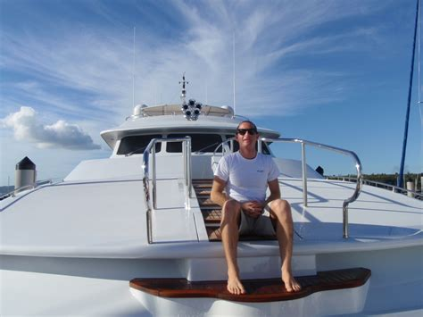yacht deckhand jobs superyacht deckhand course certified crew academy