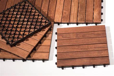 Un Pavimento Di Cemento O Legno by Come Realizzare Un Decking Per Il Tuo Giardino Zilio Interni