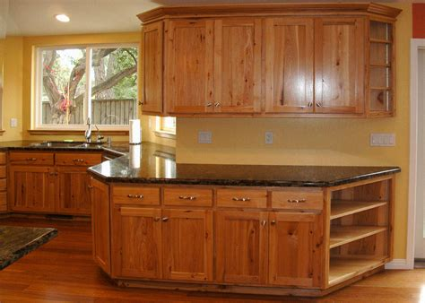 hickory kitchen cabinet the hickory designs for a beautiful kitchen
