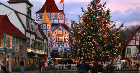 most charming towns in america 23 of the most charming christmas towns in america helen