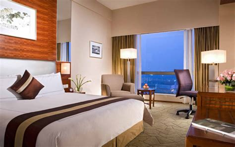 hotel room tip top 10 safety tips to look before booking a hotel room