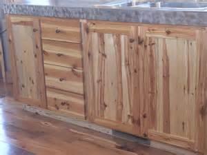 photo 3010 southern yellow pine kitchen cabinets
