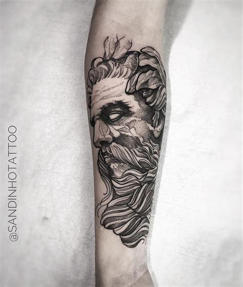 blackwork tattoo designs tatuagem feita por sandinho de minas gerais deus grego em