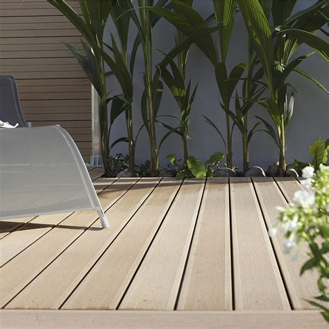 terrasse composite leroy merlin lames de terrasse en bois composite leroy merlin