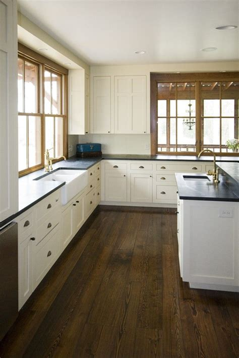 farmhouse kitchen cabinets best 25 white farmhouse kitchens ideas on pinterest