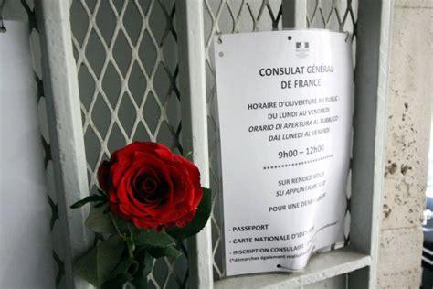 consolato francese parigi fiori al consolato francese di sit in di
