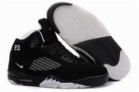 Daftar Harga Sepatu Versace daftar harga sepatu basket air retro 8 pas