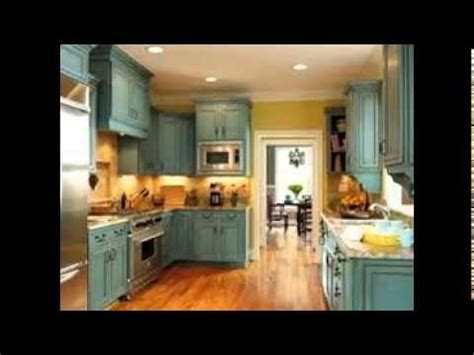 youtube kitchen cabinets antiquing white kitchen cabinets youtube