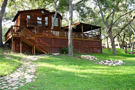 New Braunfels Cabins by New Braunfels Cabin Rentals Homeaway Rachael Edwards