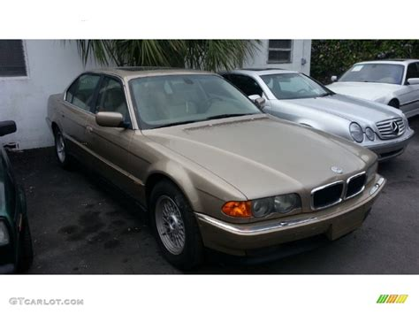 Pearl Beige Metallic 2000 BMW 7 Series 740iL Sedan