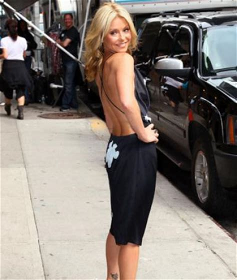 kelly ripa daily routine kelly ripa workout routines get the in shape body that