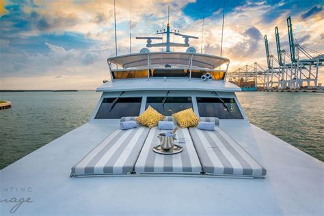 luxury boat rental miami beach luxury boat rentals miami beach fl broward cruiser 5877
