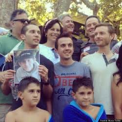 Bryan Cranston House malcolm in the middle reunion frankie muniz tweets